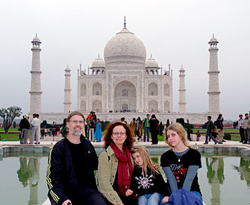 Phoebe Bradley family at Taj Mahal